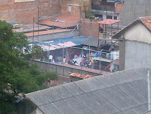 amotinamiento en cárcel de mujeres en Cuenca