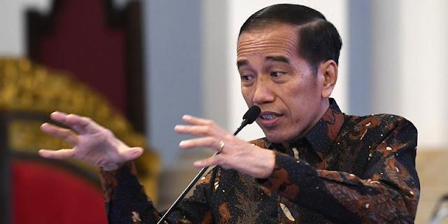 Jokowi Ngaku Tak Berniat 3 Periode, Muslim Arbi: Kayak Emak-emak, Lampu Sen Ke Kiri Motornya Belok Kanan