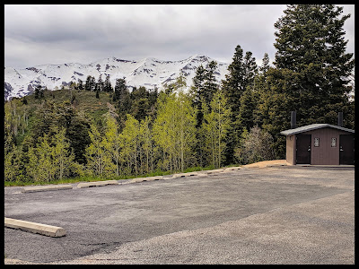 Parking and Restrooms at the Devil's Kitchen Trailhead