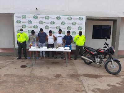 https://www.notasrosas.com/Capturados cinco hombres en Maicao, por Porte Ilegal de Armas de Fuego