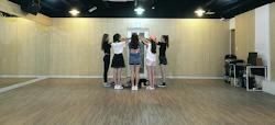 practice dance entertainment kpop rooms agencies jellyfish