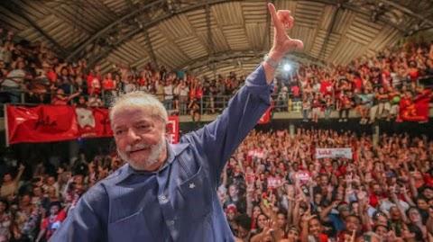 Ipec: Lula vence no 1º turno, petista mantém 11 pontos a mais do que todos os adversários