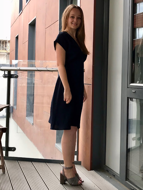 Diary of a Chain Stitcher: Tessuti Lois Dress in Navy Rayon Crepe from The Fabric Store