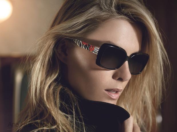 ac2c163ee0fa6 Ana Hickmann estrela a campanha de outono-inverno 2013 da própria marca de  óculos, a Ana Hickmann Eyewear. Nas fotos, a modelo e apresentadora aparece  com ...