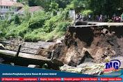 Jembatan Penghubung Antar Dusun Di Jember Ambrol
