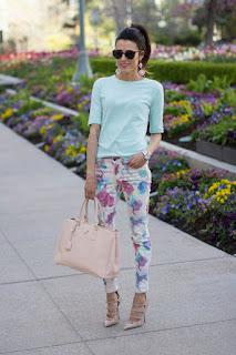 Calça floral guia de looks