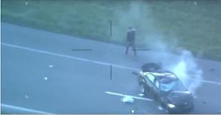شاهد بالفيديو لحظة انقلاب مروع لسيارة هاربة من الشرطة