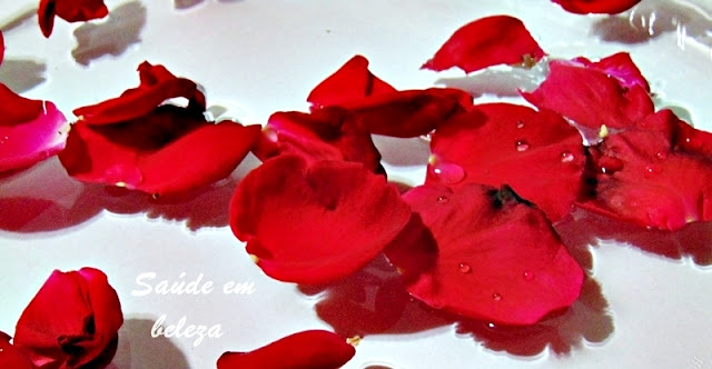 Benefícios da água de rosas