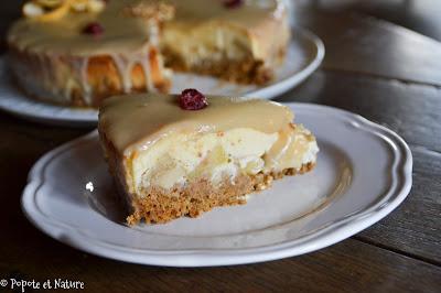 Cheesecake aux pommes caramélisées, cranberries et sauce au sirop d'érable © Popote et Nature