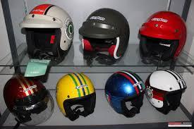 Memahami Istilah Standar Keamanan Helm Motor (www.motroad.com)
