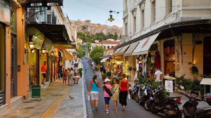 Τζίρος… μηδέν για τα καταστήματα στο τουριστικό κέντρο της Αθήνας