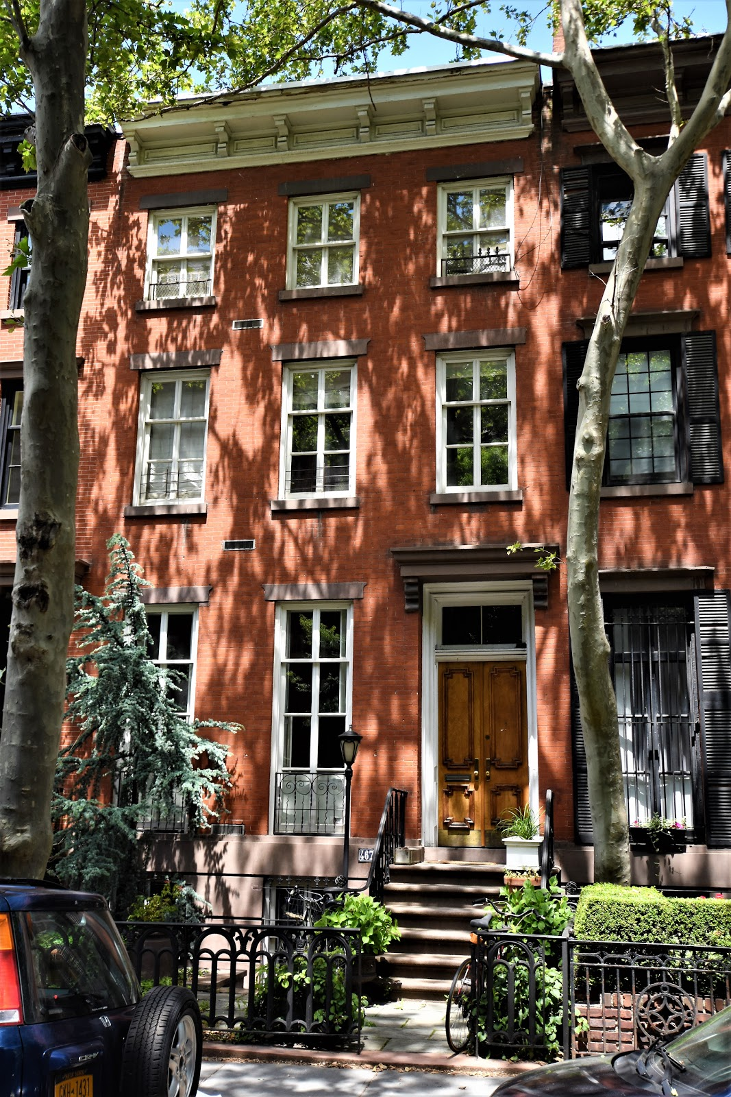 In 1853 a handsome row of Italianate-style homes was constructed on West  21st Street. Although seemingly a speculative project, the residences  (beginning ...
