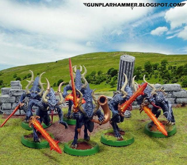 Sanguinaires de khorne bleus avec épées de feu
