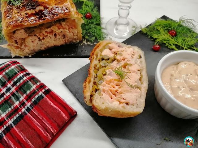 Pastel de hojaldre y salmón con manzanas