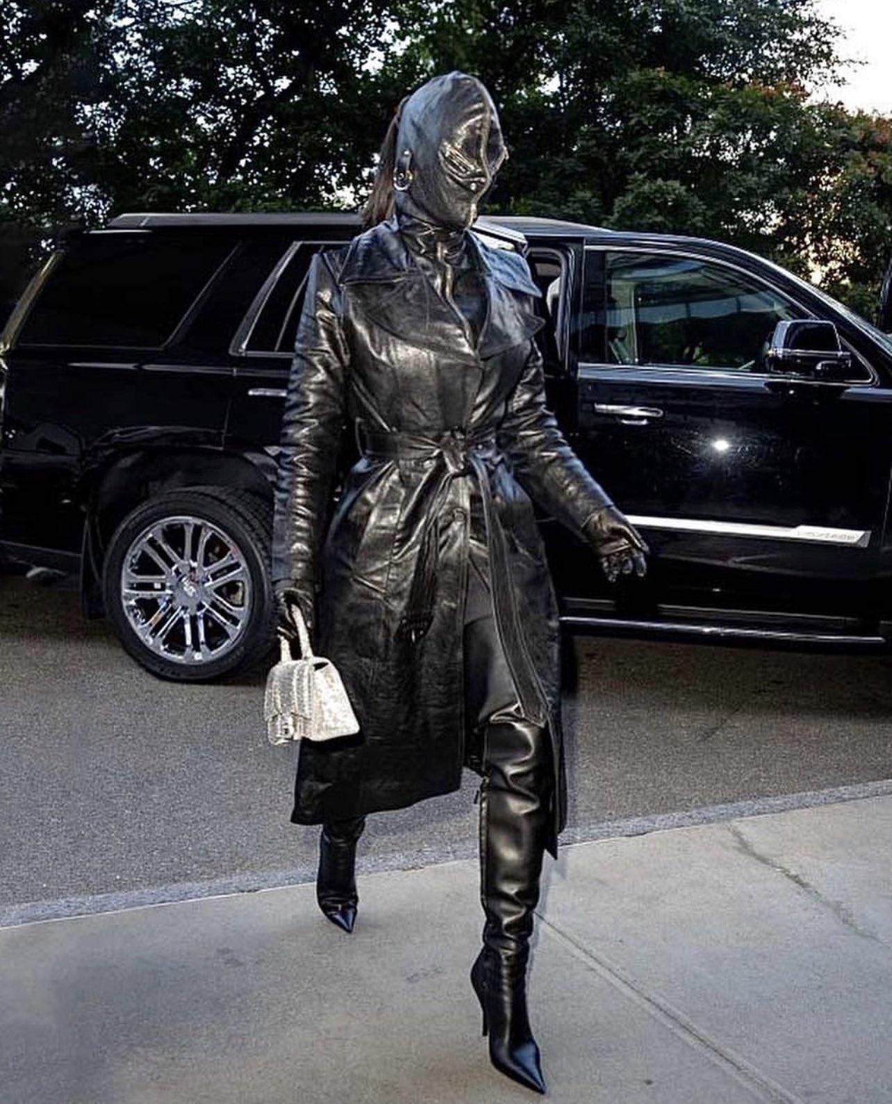 Kim Kardashian Rocks Head-to-Toe Leather Ensemble While Arriving in N.Y.C.