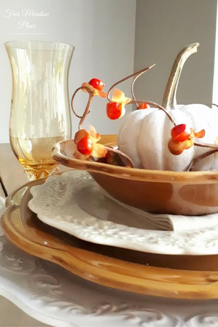 Set the Table - Autumn in he Breakfast Nook