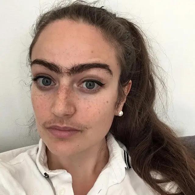 Wanita ini Menolak Untuk Mencukur Atau Menyibak Kumisnya