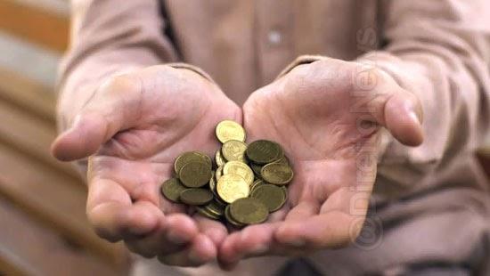 inss indenizar descontos indevidos emprestimo aposentadoria