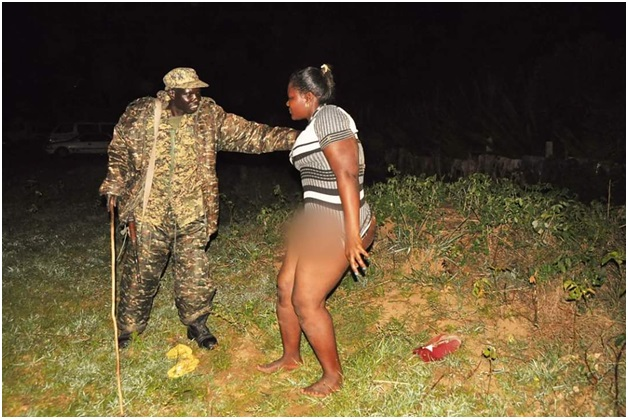 5 - SEX in the park! HORNY lovers caught red handed by security having SEX, the man was eating nice goodies (PHOTOs)