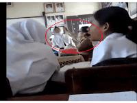 Lihat Video Cara Guru SD ini Mengajar Kepada Siswanya, Sungguh Bikin Miris