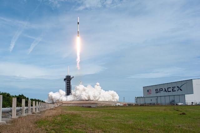 NASA lançará em outubro a bordo do SpaceX Falcon 9 a primeira missão comercial oficialmente tripulada | É MAIS QUE VOAR