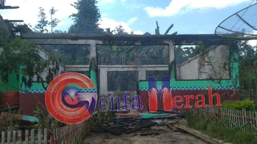 Perumahan SDN 01 Bonglai Terbakar, Camat Banjit Cek Lokasi