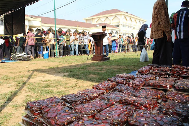 pembagian 155 ton kurma gratis di bulan ramadhan