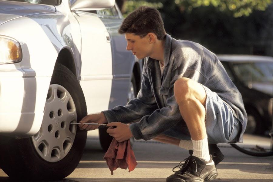Revisa los neumáticos antes de salir de vacaciones