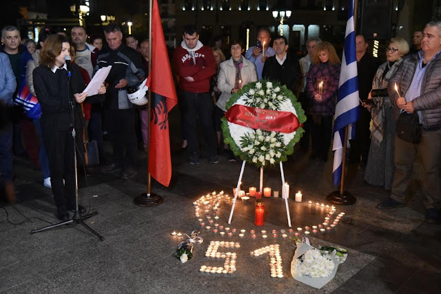 Albanians pay homage in Athens, lighting candles in memory of 51 earthquake victims