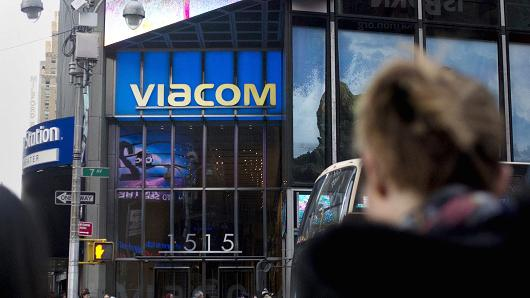 Viacom board said to be in talks to set up committee to explore CBS deal
