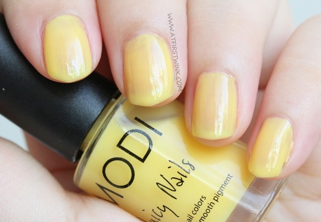 Review: Modi Juicy Nails no. 17 - Banana Shake two coats