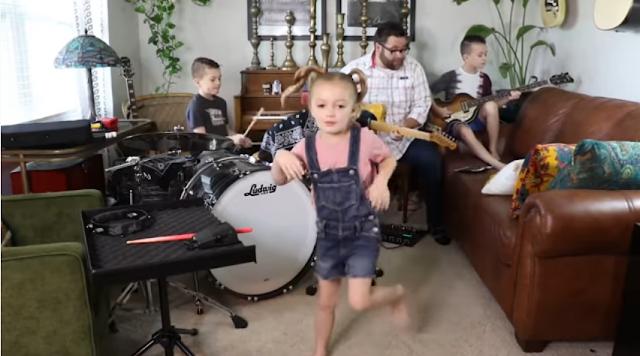 Banda formada por família dos EUA faz sucesso na quarentena