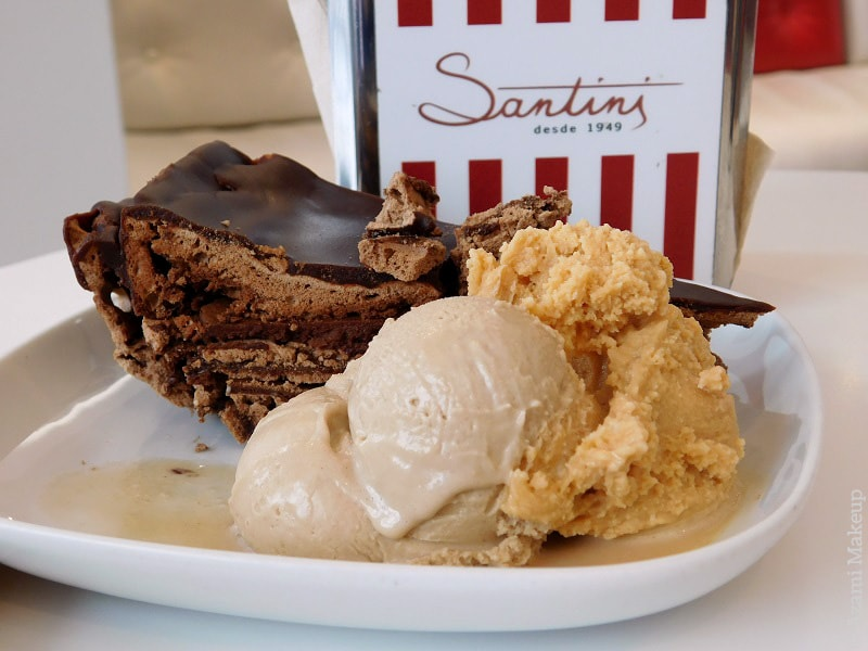 Santini's Ice Cream Lisbon Porto Review - Avis - Meilleure Glace Lisbon - Best Ice Cream - Best Chocolate Cake in the World - Lisboa - Lisbonne - Travel Blogger