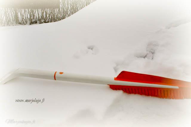 fiskars snowexpert lumityökalut
