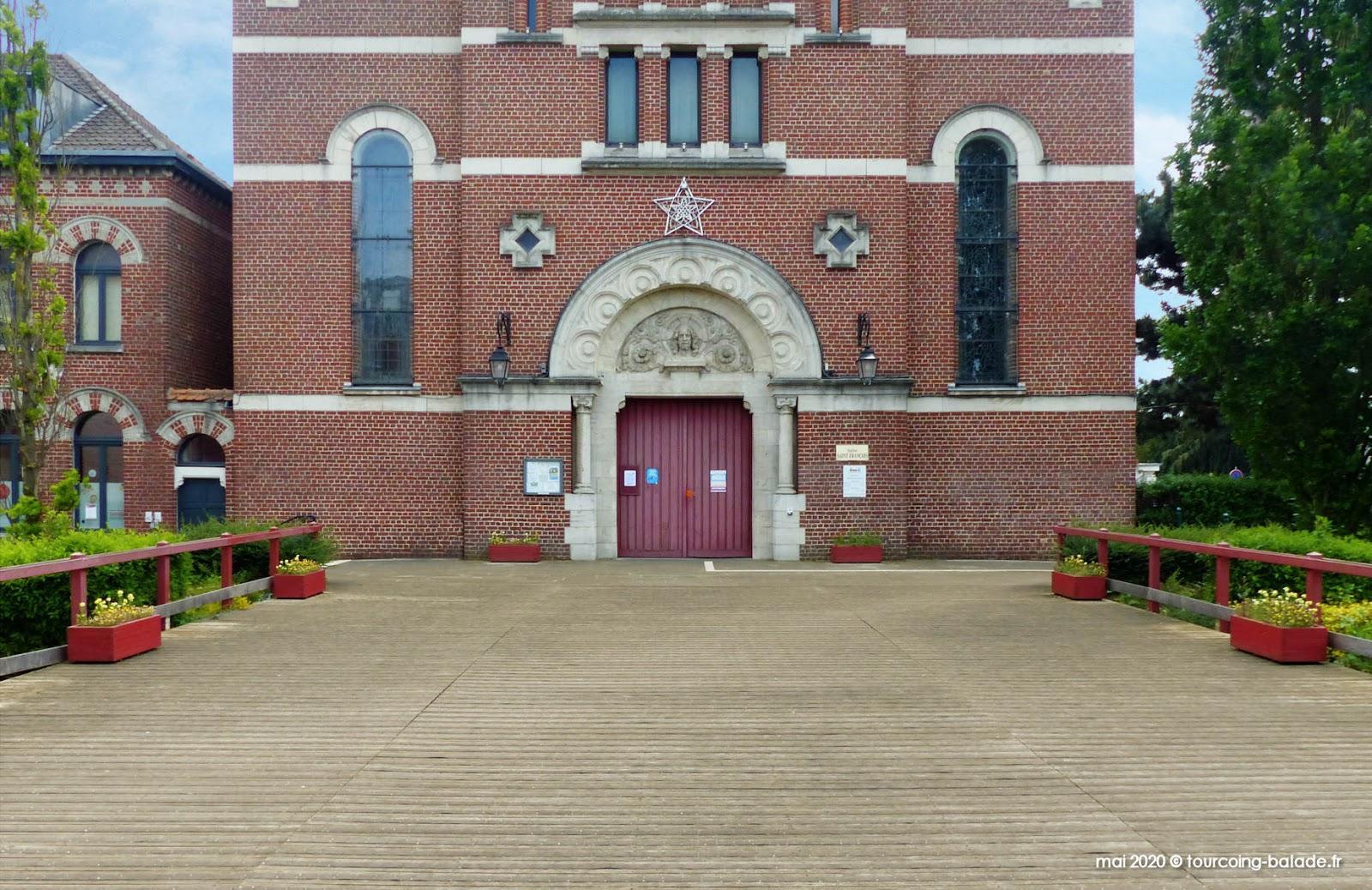 Portail de l'église Saint-François, Mouvaux 2020