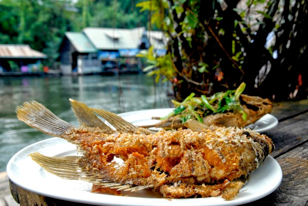 THAILANDS LOVE GOES THROUGH THE STOMACH: THAILAND FOR FOODIES