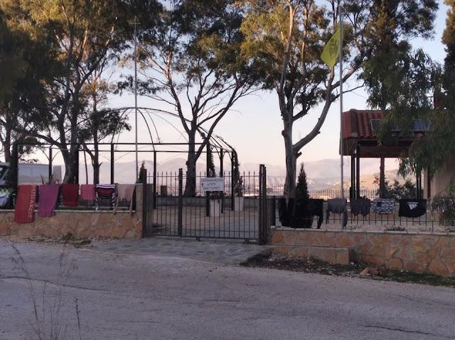 Ηγουμενίτσα: Άπλωσαν τη μπουγάδα τους στην περίφραξη της εκκλησία, απείλησαν και γυναίκα