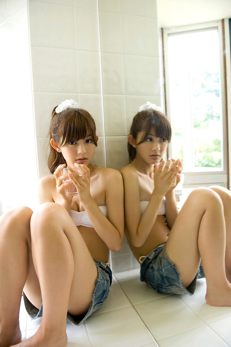 rika sato hot bikini pics 03