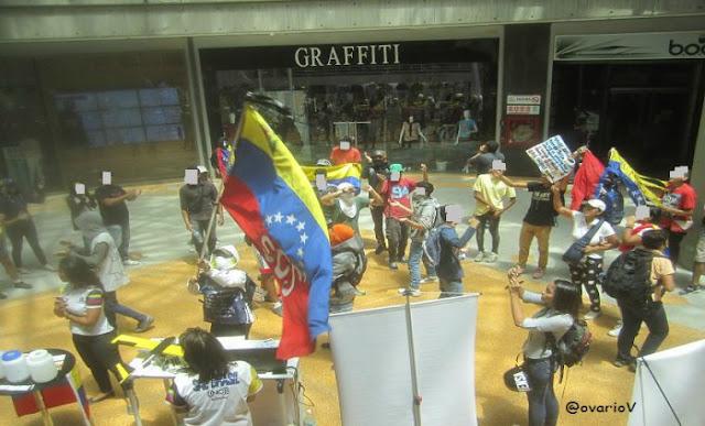 Detenidos tres manifestantes que iniciaban protesta pacífica en Chacao