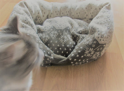 Cat Bed made from an old sweater -Vickie's Kitchen and Garden