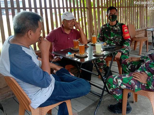 Diwilayah Desa Binaan, Personel Jajaran Kodim 0207/Simalungun Laksanakan Penegakan Protokol Kesehatan