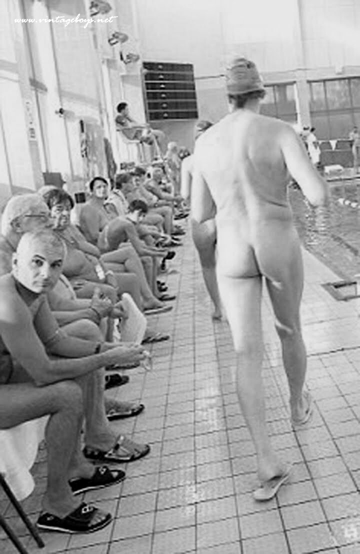 naked-swim-team-shower-fucking-interracial-old-woman