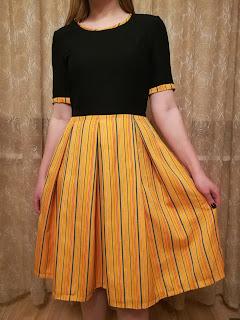 Muhu triibusellikust inspireeritud kleit