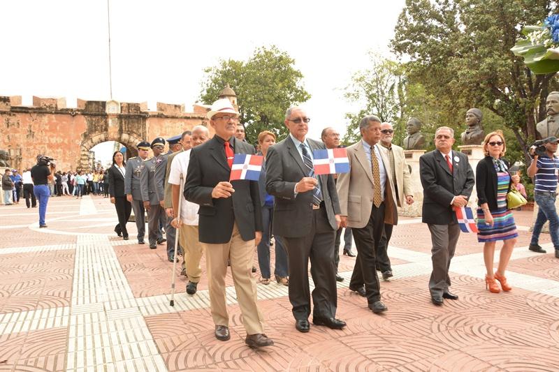 Primera Promoción de Cadetes de la Policía Nacional rinde honores al 205 aniversario de Juan Pablo Duarte