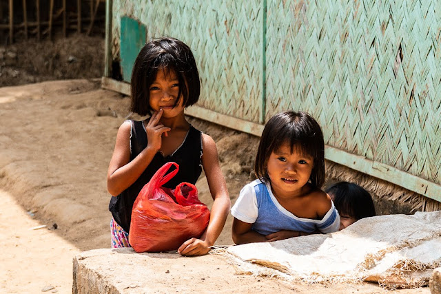 Enfants-village-Coron-Busuanga