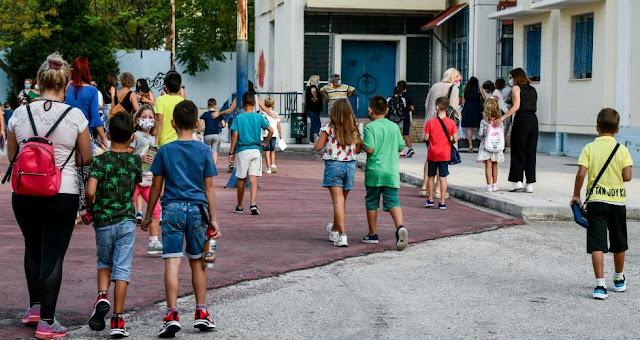 Γ.Οικονόμου :Κάθε Τετάρτη η ανακοίνωση κρουσμάτων covid σε παιδιά