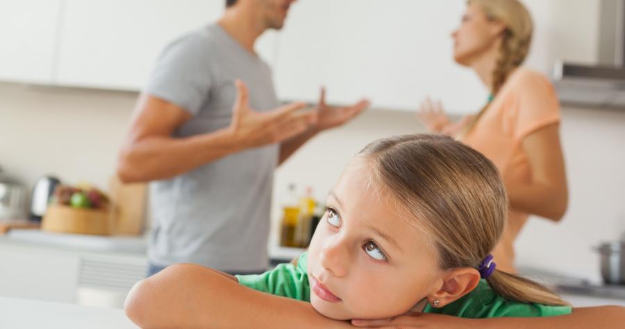 Kötü giden evlilik çocuk için boşanmaktan daha zararlı