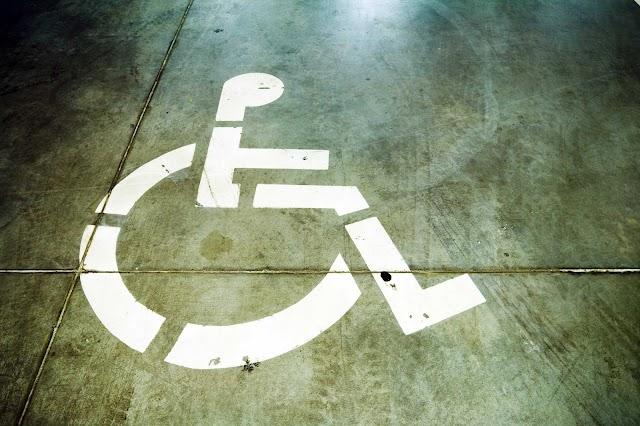 Concientizan a alumnos de la UAG sobre inclusión de personas con discapacidad.
