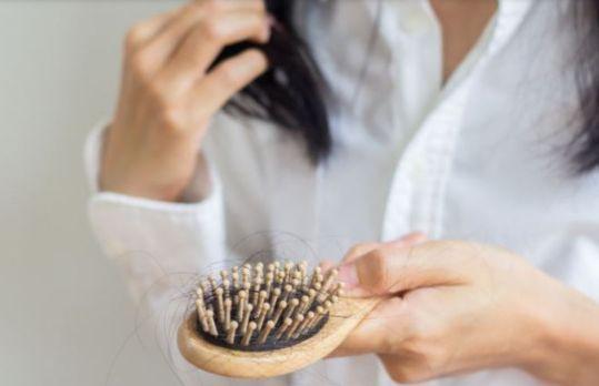 Benarkah Arti Mimpi Rambut Rontok Itu Pertanda Buruk? Ini Penjelasan Menurut Primbon dan Psikolog
