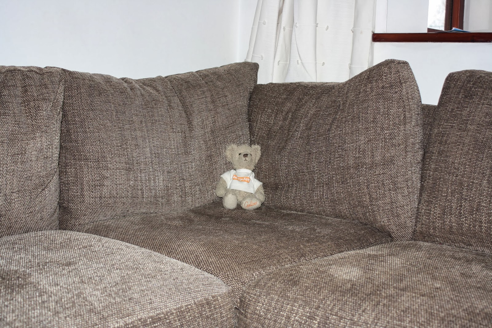 New-settee-house-Teddy-daughter-365